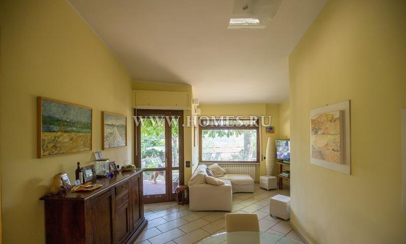 Флоренция, симпатичный дом в красивой резиденции
