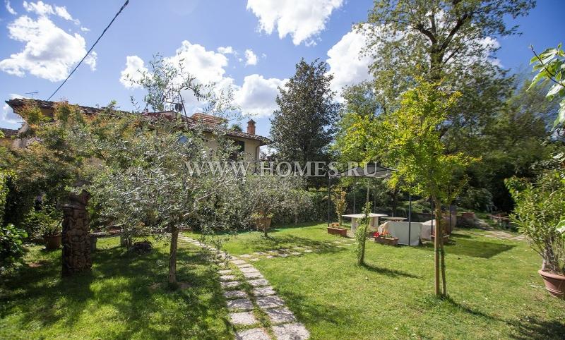 Флоренция, красивая двухэтажная вилла с садом