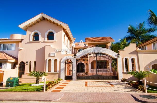 Великолепный особняк в городе Пуэрто-Авентурас
