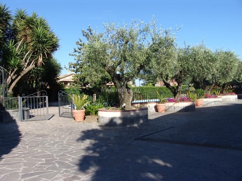 Прекрасная вилла в пригороде Рима