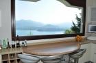Вилла с шикарным видом на озеро