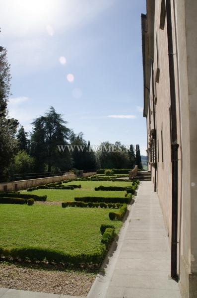 Исторический кастелло в Тоскане