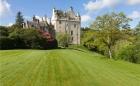 Великолепный замок в Шотландии