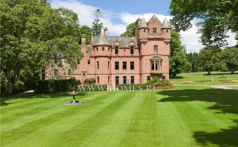 Потрясающий замок в Шотландии