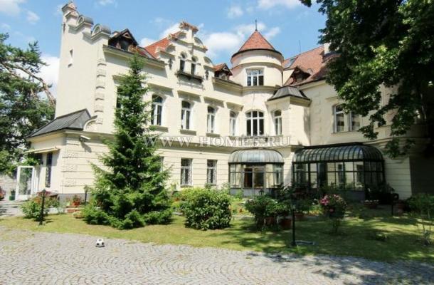 Великолепный небольшой замок в Вене