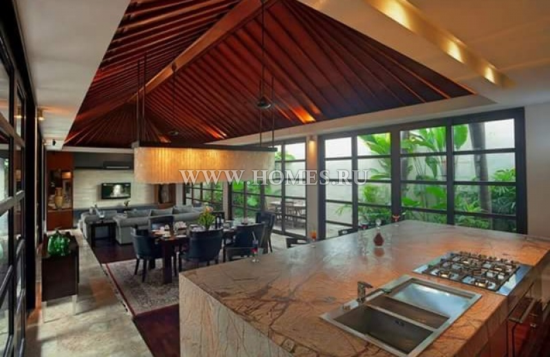 Роскошная вилла в районе Букит на Бали