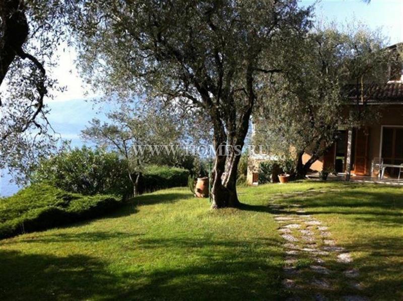 Симпатичный дом на озере Гарда
