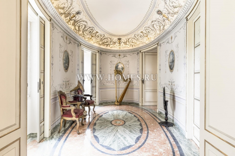 Роскошный дворец в Лиссабоне