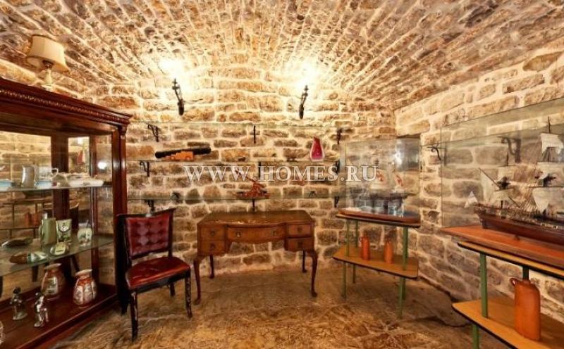 Средневековый замок в Будве