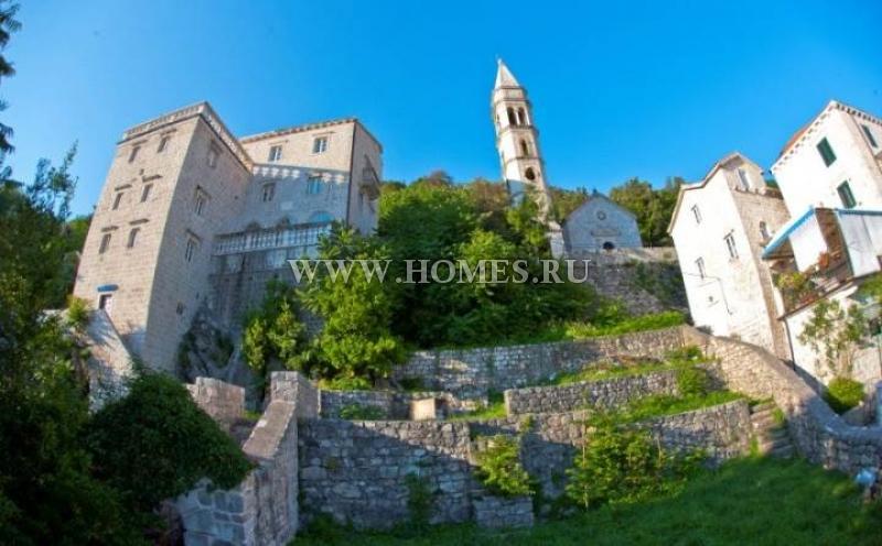 Потрясающий замок в Перасте