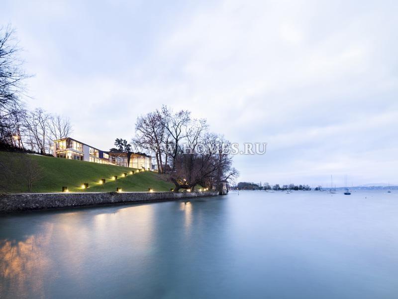 Уникальный особняк у озера