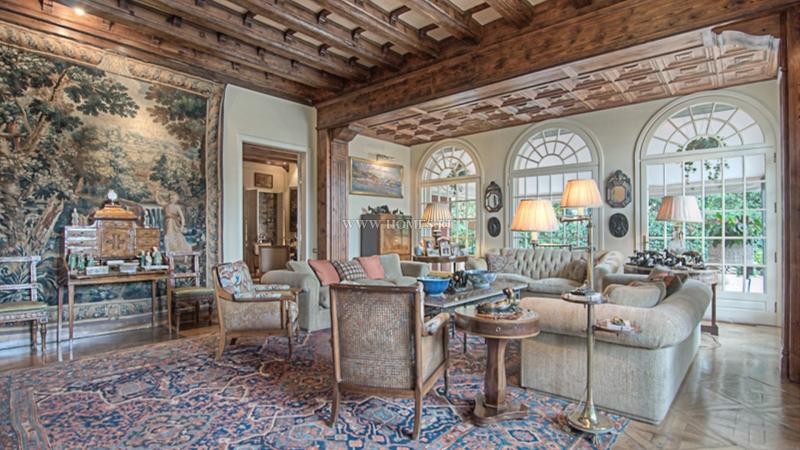 Восхитительный исторический особняк в Барселоне