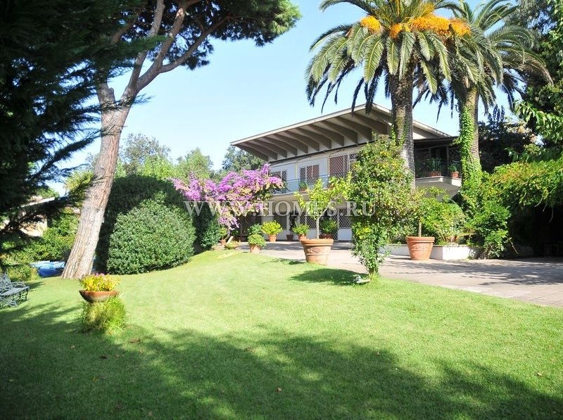 Прекрасная вилла на курорте Анцио
