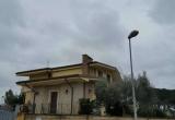 Симпатичная трехэтажная вилла в Неттуно