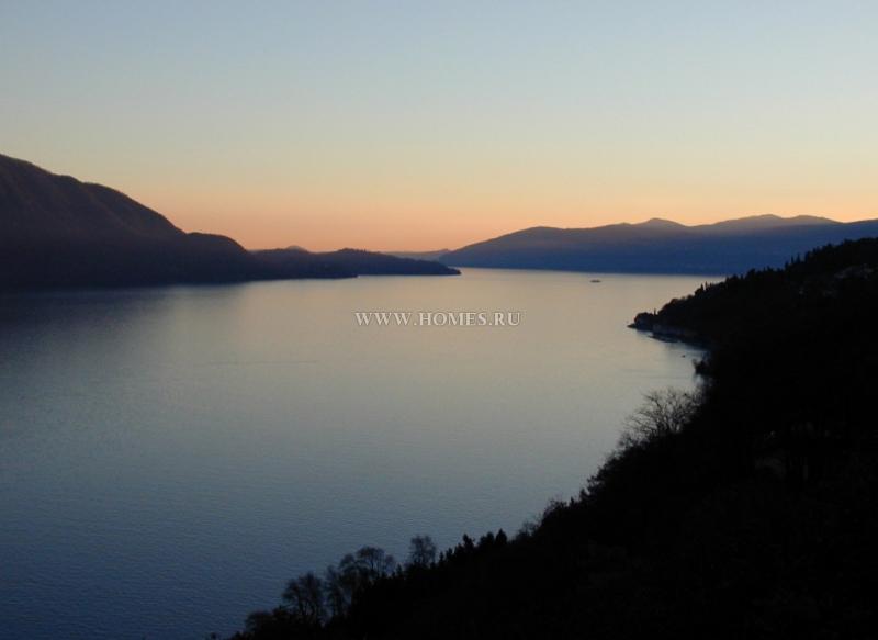 Роскошная вилла на озере Маджоре