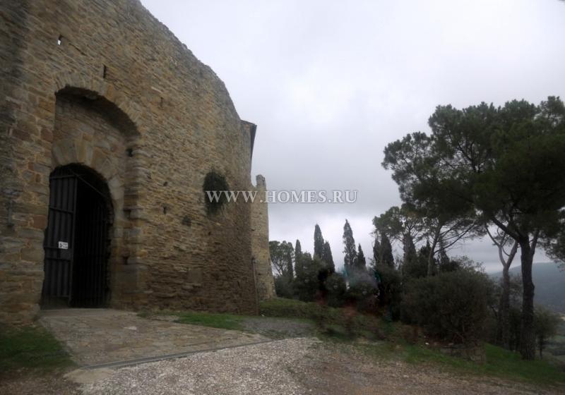 Исторический замок в Италии
