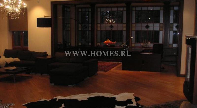Красивый дом в Риге, Вецаки