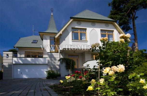 Прекрасный дом расположен в Булдури, Юрмала