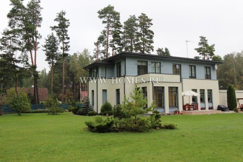 Шикарный дом в Юрмале, Асари