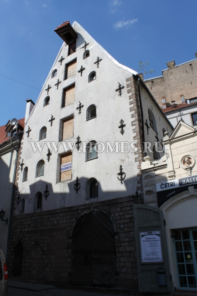 Старинное здание 18-го века в Старой Риге
