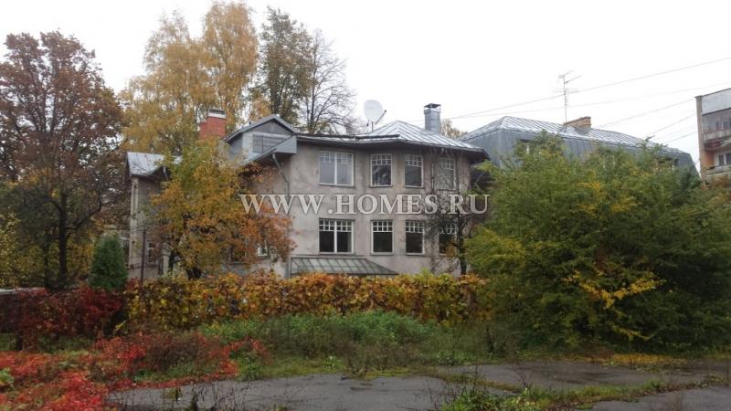 Просторный дом в районе Тейка, Рига