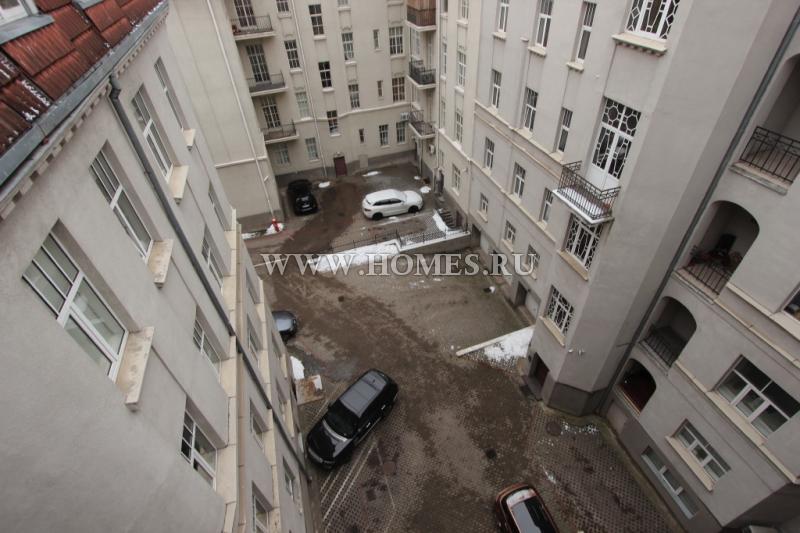 Великолепная квартира в тихом центре Риги