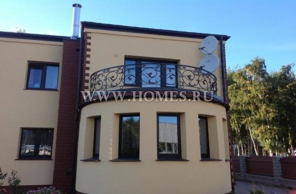 Великолепный дом в районе Пурвциемс, Рига