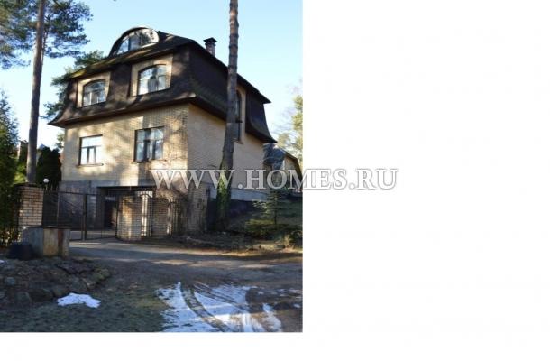 Новый дом в тихой части Межапарка, Рига