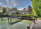 Потрясающая резиденция у озера