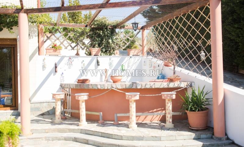 Потрясающая вилла в пригороде Салоник