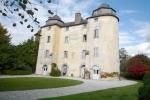 Замечательный замок в городе Тарб