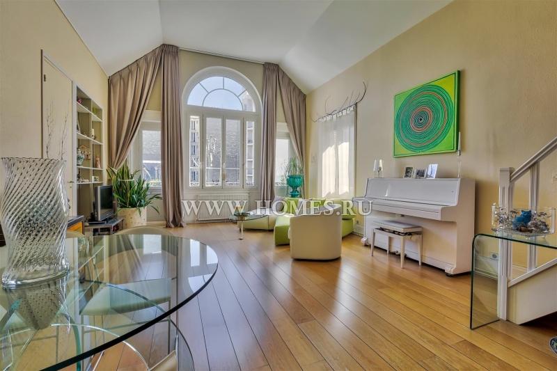 Светлые апартаменты в Париже