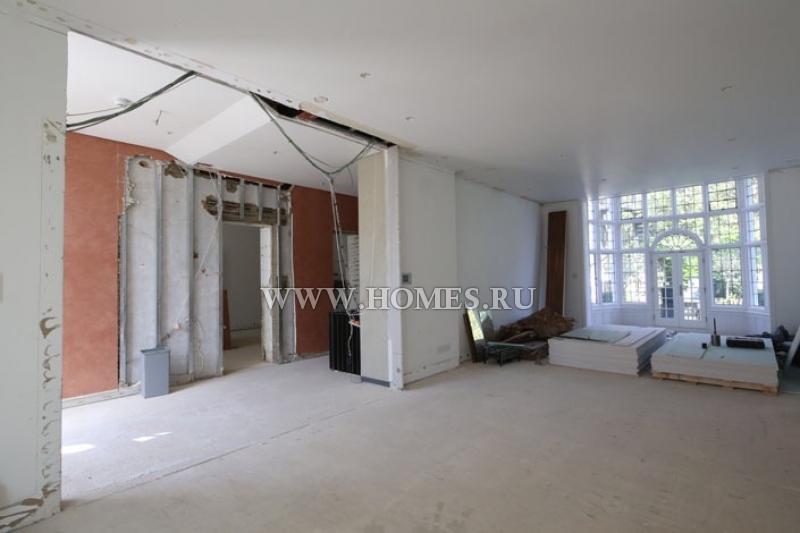 Прекрасный дом на стадии строительства в Лондоне