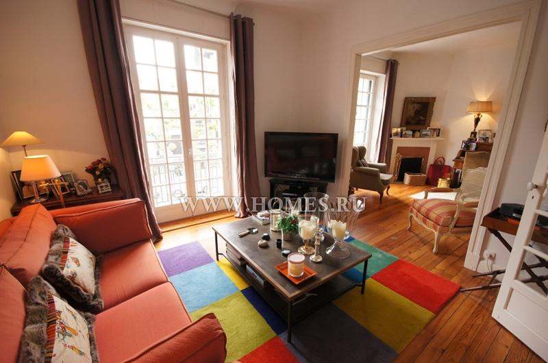 Яркие апартаменты в центре города Сен-Жан-де-Люз