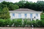Красивый дом в городе Мон-Сюр-Роль