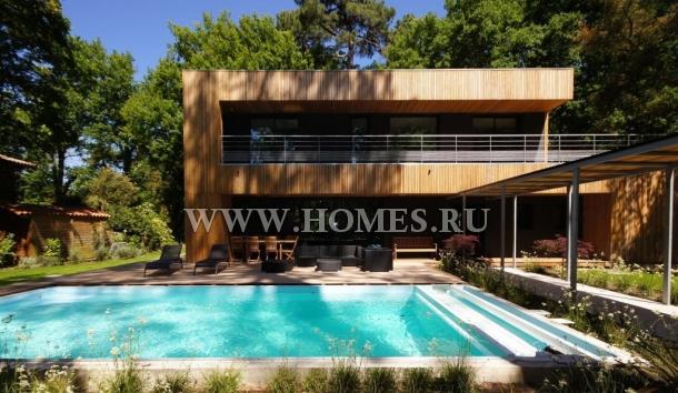 Дом в ультрасовременном стиле в коммуне Сорт-Осгор