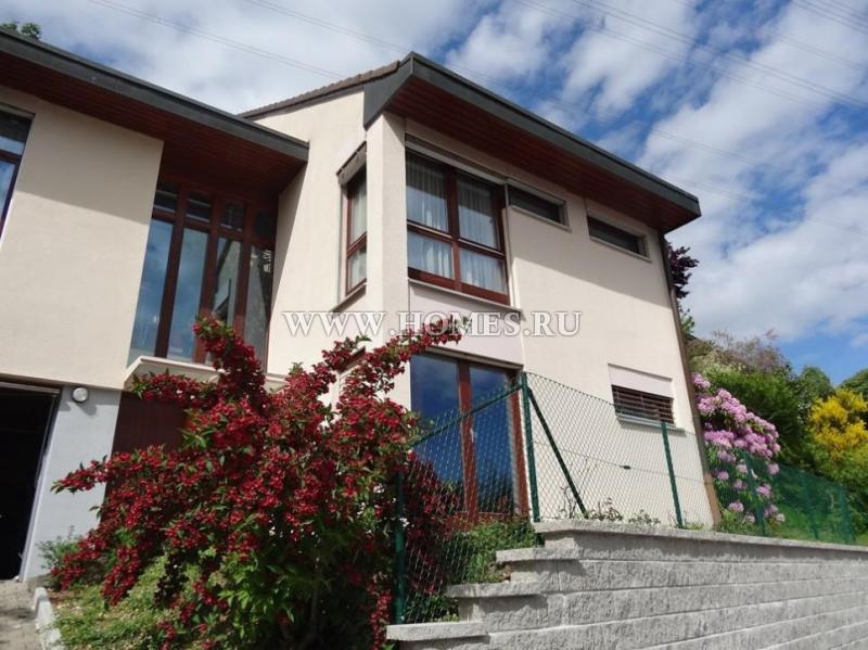 Удивительный дом в Ле Мон-Сюр-Лозанна