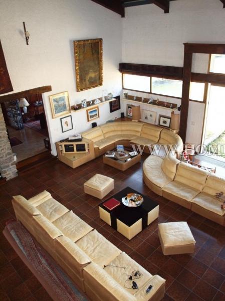 Потрясающий дом в городе Морж