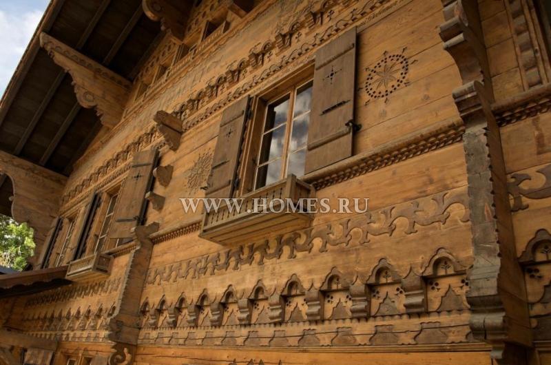 Великолепный коттедж в самом центре города Шезьер