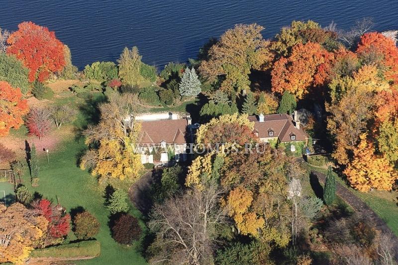 Красивый дом с видом на озеро в муниципалитете Сенневиль