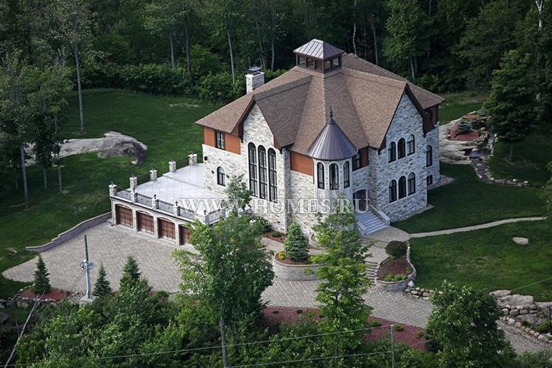 Красивый дом в провинции Квебек