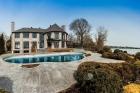 Чудесный дом с видом на озеро в Биконсфилде, Монреаль