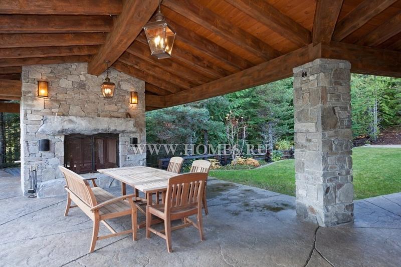Очаровательный дом с видом на горы в Уистлере