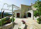 Восхитительная вилла с частным выход на пляж на острове Корфу