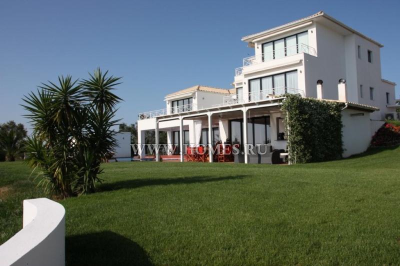 Замечательная вилла на острове Корфу