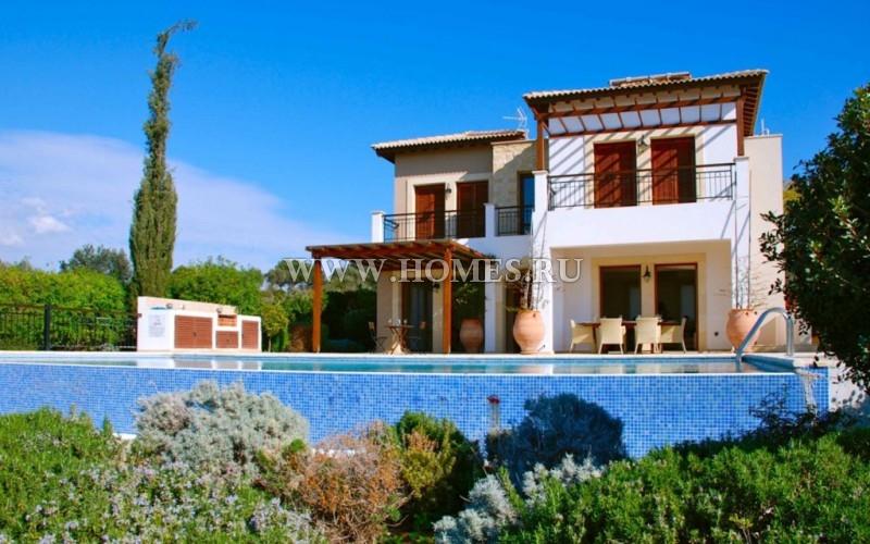 Красивая вилла в городе Пафос