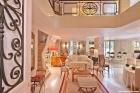 Изысканные двухэтажные апартаменты в Париже
