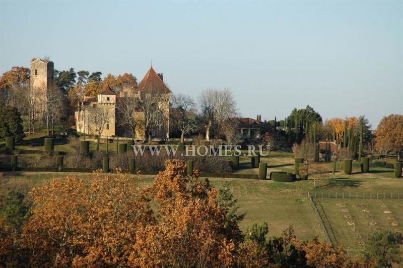 Старинный замок в Дордони