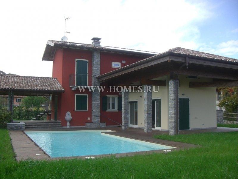 Красивый дом на севере Италии