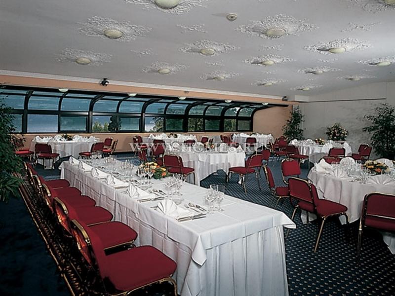 Прекрасный отель на озере Комо